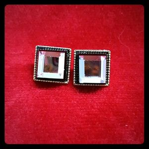 Jewelry - Brilliant square crystal earrings